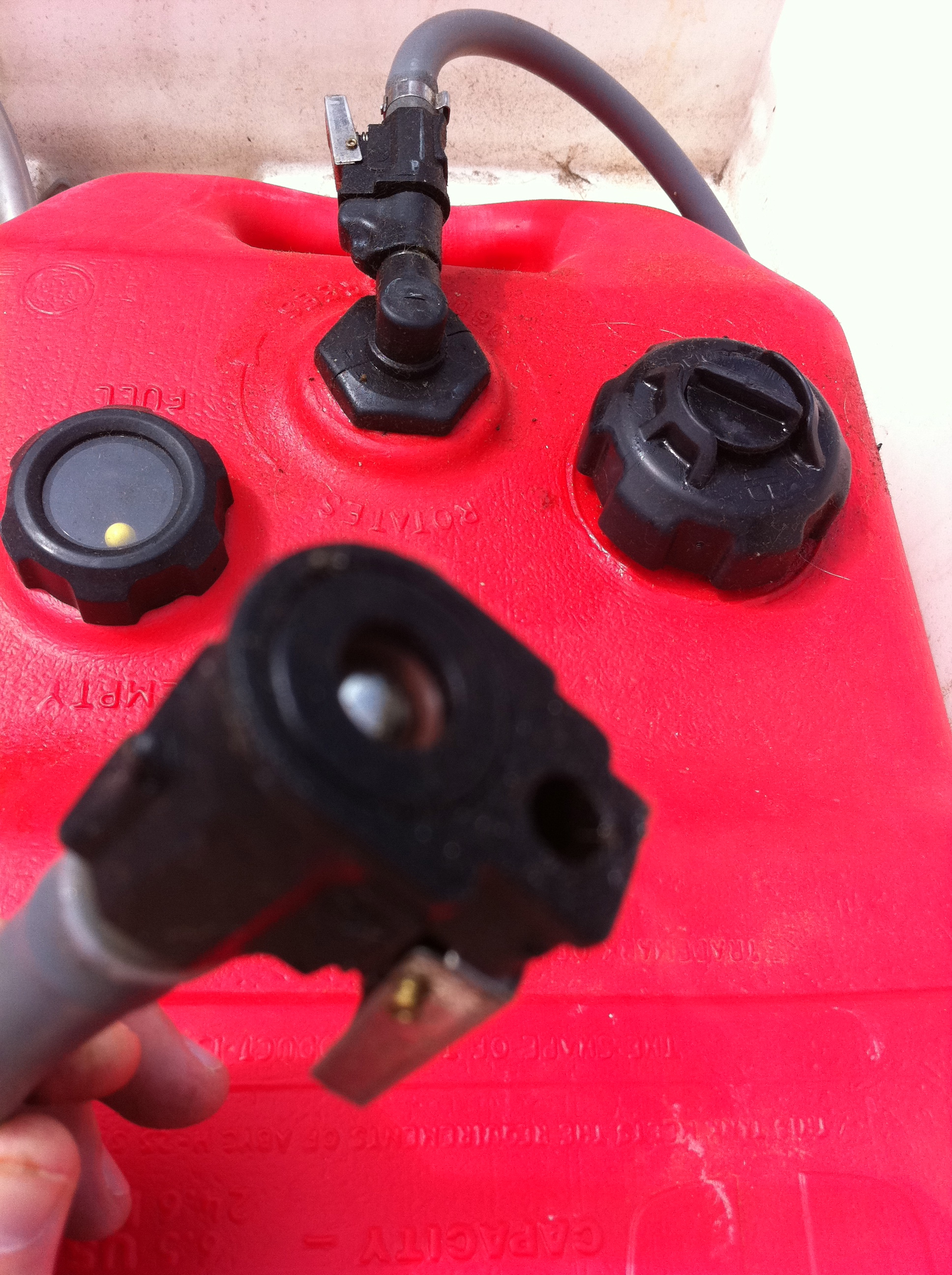 Avoiding and bypassing problems with your outboard s gas for Outboard motor gas tank hose